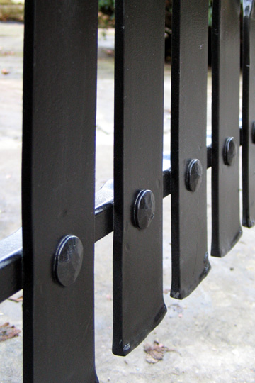 Contemporary steel garden gate detailing