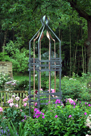 Forged Steel Copper Garden Sculpture Garden Obelisk